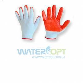 Защитные перчатки из полиэстера с нитрыловым покрытием