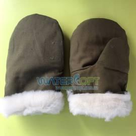 Войлочные рукавицы с искусственным мехом